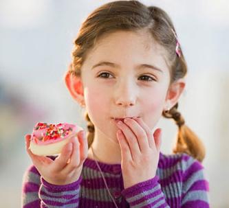 4 tác hại khi trẻ ăn đồ ngọt quá nhiều, 4 tac hai khi tre an do ngot qua nhieu