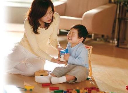 Cách giúp bé phát triển trí não, cach giup be phat trien tri nao