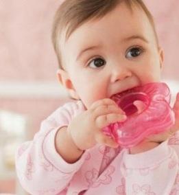 Triệu chứng khi bé mọc răng và cách chăm sóc, trieu chung khi be moc rang va cach cham soc