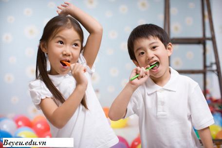 5 phương pháp hay giúp bố mẹ dạy trẻ tính tự lập