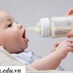 5 sai lầm cần tránh khi cho bé yêu uống sữa