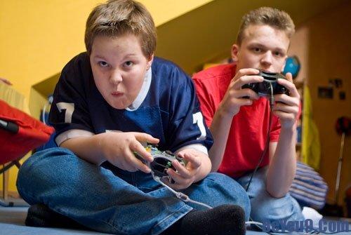 Tác hại khi cho trẻ sử dụng máy tính quá nhiều