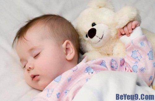 Mách bạn bí quyết giúp bé ngủ trưa ngon giấc