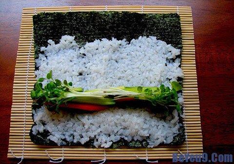 Nguyên liệu và hướng dẫn cuốn sushi