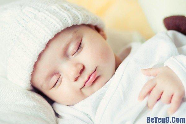 Cách chăm sóc giấc ngủ của trẻ sơ sinh mẹ nên biết