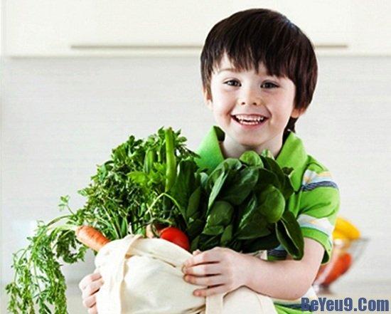 Một số lý do bổ ích bố mẹ nên cho trẻ làm vườn