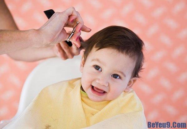Mẹo chăm sóc giúp trẻ ó mái tóc đẹp, bóng mượt