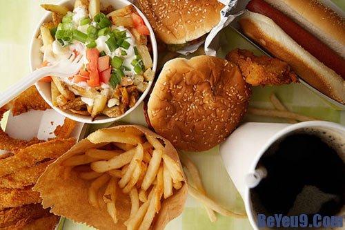 Những món ăn vặt không tốt cho sức khỏe của trẻ em