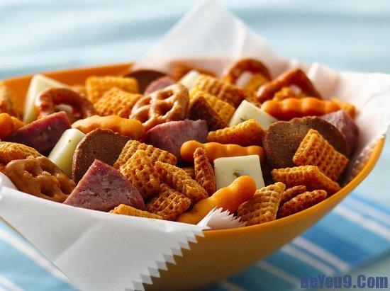 Những loại thực phẩm gây hại cho sức khỏe của trẻ cần phải tránh