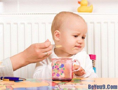 Những phản ứng ở trẻ sau khi tiêm chủng và cách xử lý mẹ nên biết